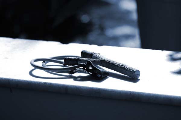 IPRIME Sport Steinschleuder aus Stahl **ab 18 Jahre** Schleuder